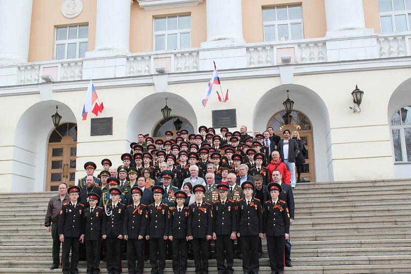 Екатеринбургское суворовское военное училище фото 1