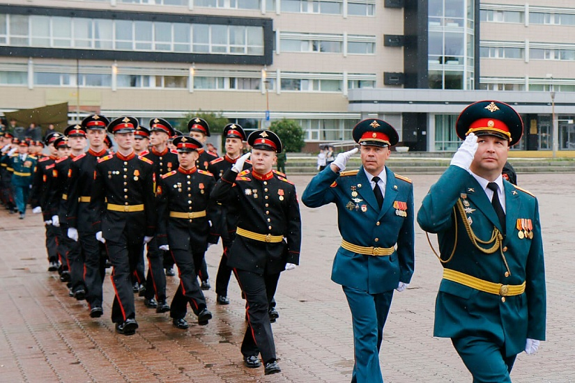 Екатеринбургское суворовское военное училище фото 3