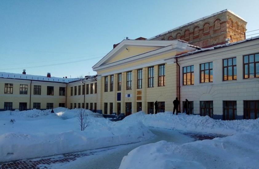 Медицинский колледж Уральского государственного университета путей сообщения фото