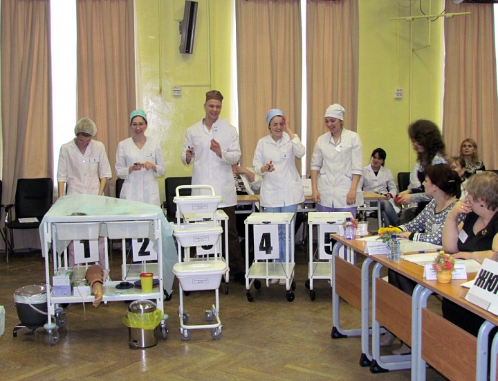 Медицинский колледж Уральского государственного университета путей сообщения фото 3